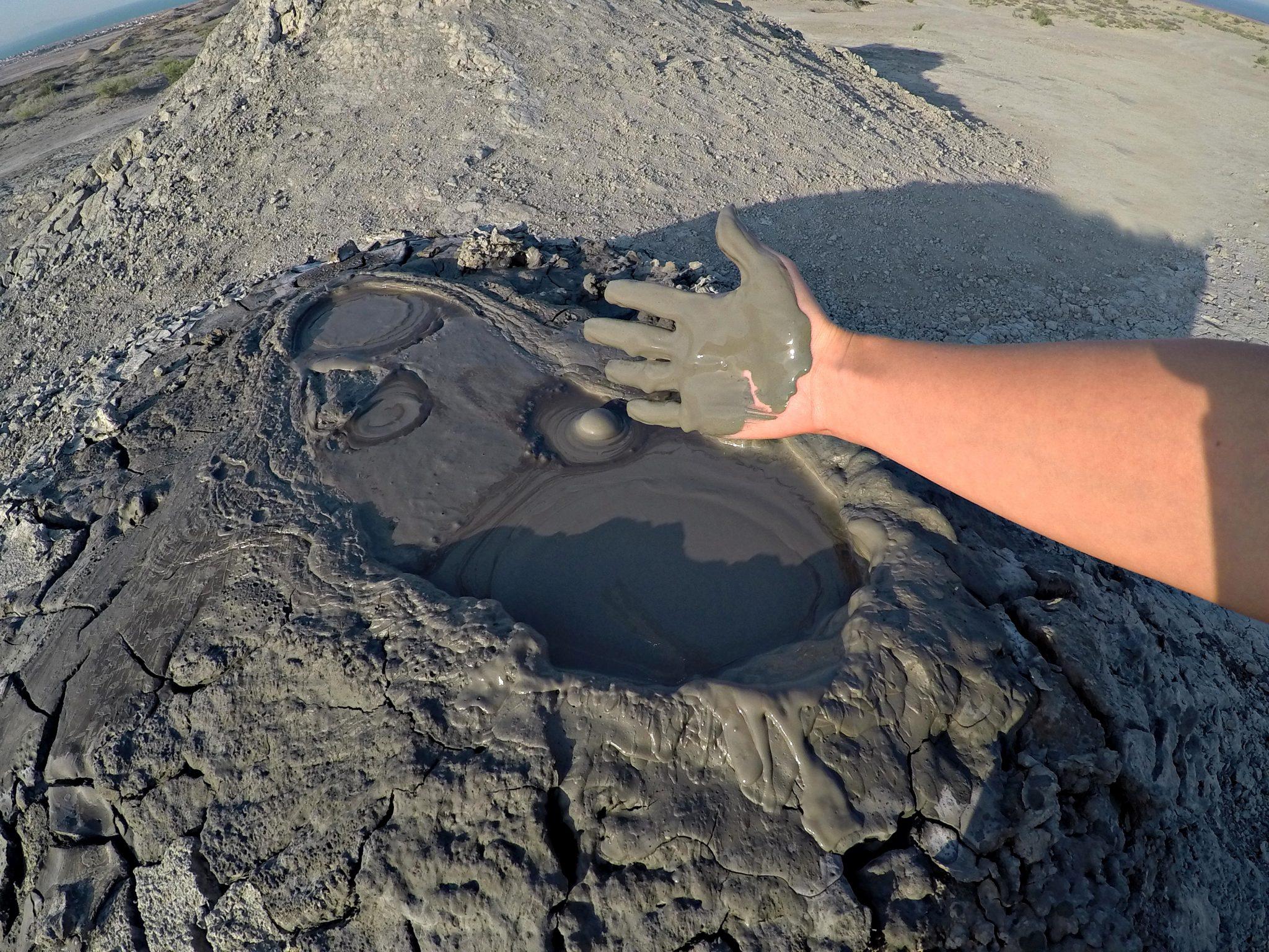 blatnih vulkana Azerbajdžana travelina