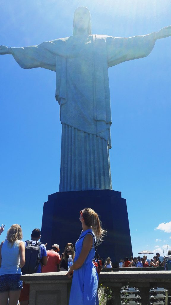 statue christ the redeemer travelina kip isusa